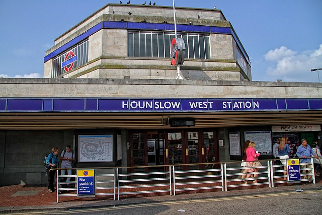 IMG 5487 - Old Hounslow West terminus & the A1 express - repost