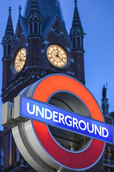 DSC 2858 - London's furthest sighted tube stations?