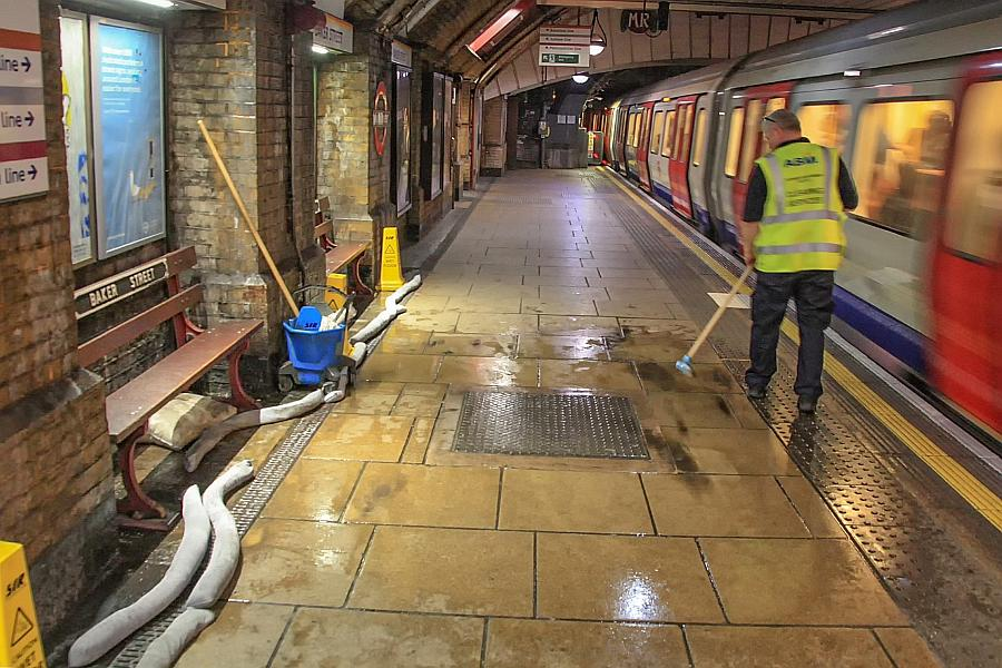 Leaky problems at Baker Street – Hyde Park Now